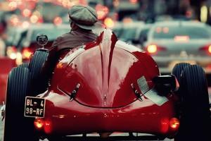 Virage8_Red-Car-in-Paris 2