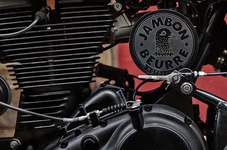 VIRAGE8; JAMBON BEURRE MOTORCYCLE; ANTONIN; DIRT TRACK; BRAT STYLE; MOTO;